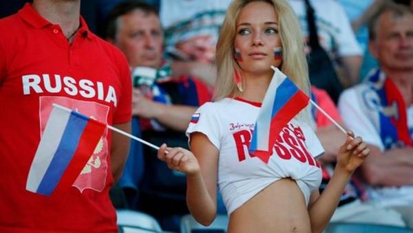 La rusa Natalya Nemchinova atrae todas las miradas en las gradas (AFP)