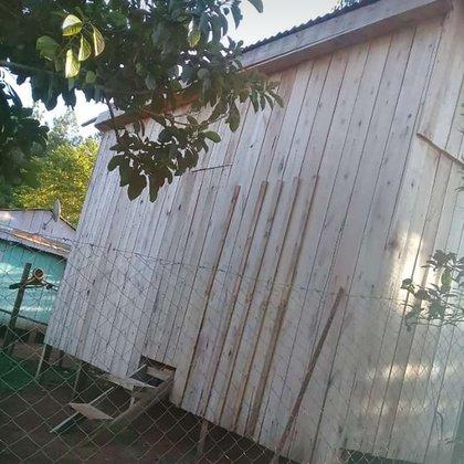 Una imagen de la casa que fue levantada hace pocos meses en el barrio Tarumá, del departamento de San Vicente