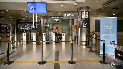 """""""Esperamos que el transporte aéreo vuelva en los próximos 60 días"""", sostuvo el ministro de Transporte Mario Meoni dos semanas atrás (Gustavo Gavotti)"""