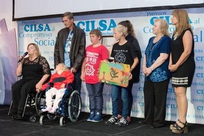 La ceremonia tuvo una mención especial a 'Historia de Vida'. Yovana, una niña oriunda de San Vicente, Misiones, quien junto a su familia vinieron por primera vez a Buenos Aires y recibieron una nueva silla de traslado para continuar su rehabilitación