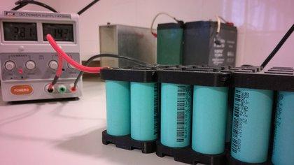 La nueva batería de litio es más duradera y amigable con el medio ambiente que las de plomo