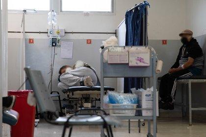"""En teoría, en cada hospital porteño y de la provincia de Buenos Aires hay protocolos que reciben distintos nombres, como el de """"última cama"""", que deben seguir los profesionales de la salud en situaciones límites (Foto Franco Fafasuli)"""