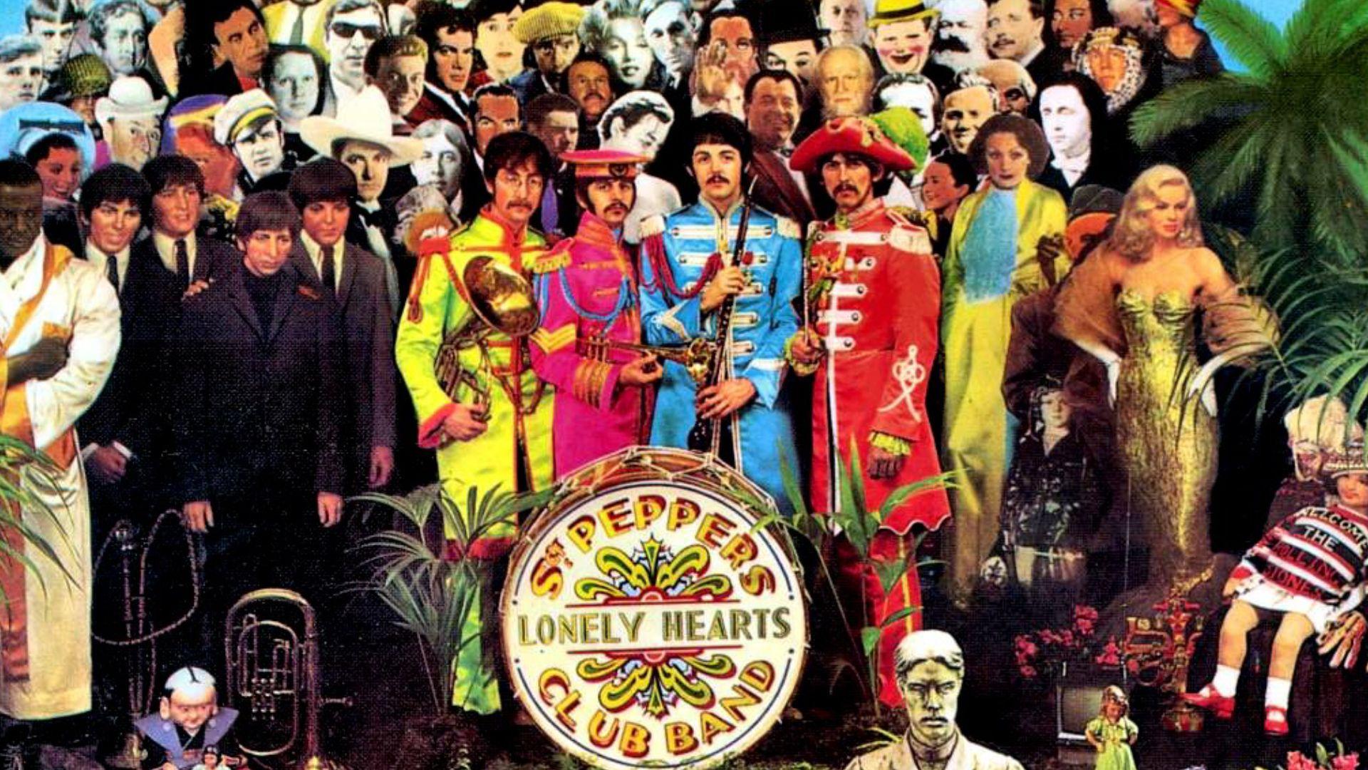 "En la tapa de ""Sgt. Pepper's Lonely Hearts Club Band"""