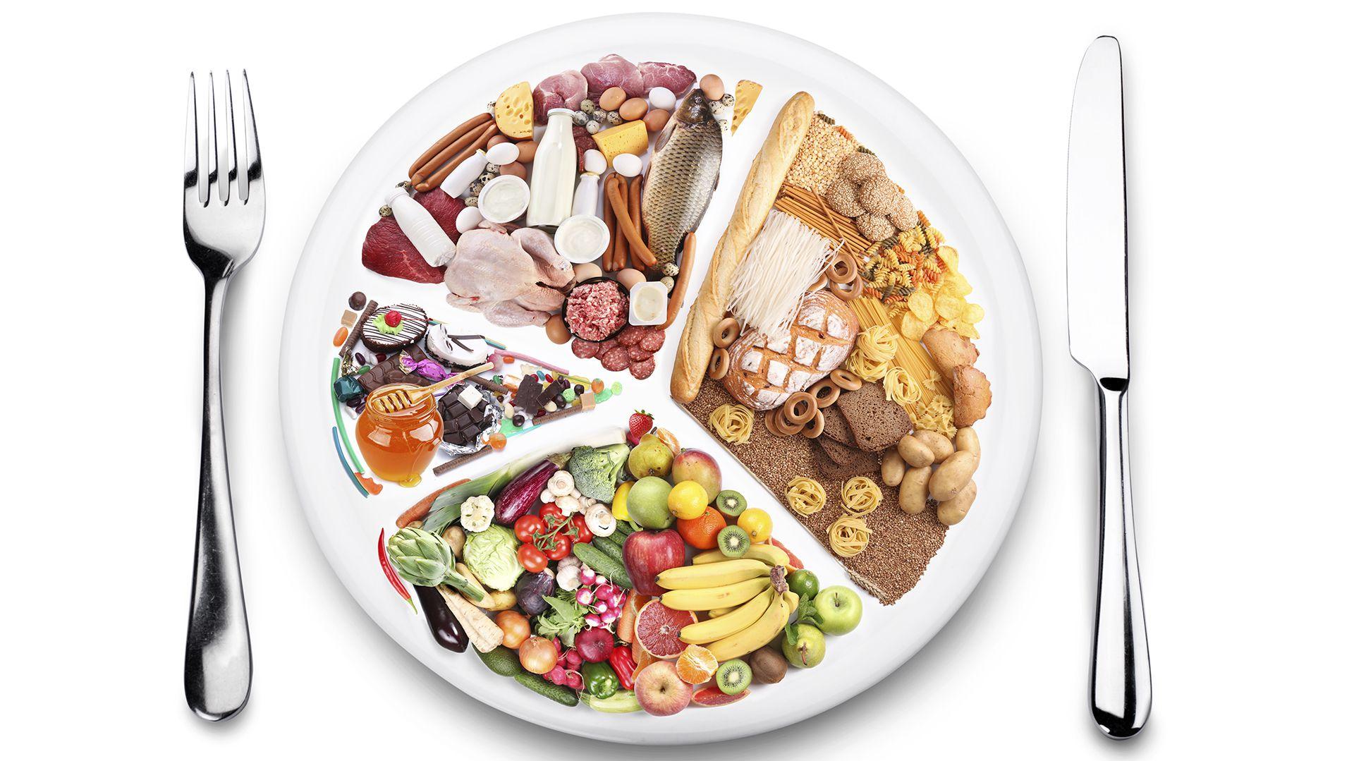 En la dieta diaria no deberán faltar vitaminas como la A, B o la C y oligoelementos como el cobre, el manganeso, el hierro o el zinc  (Shutterstock)