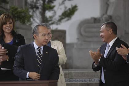 Genaro García Luna (derecha) fue acusado de nexos con el Cártel de Sinaloa (Foto: IVÁN STEPHENS /CUARTOSCURO)