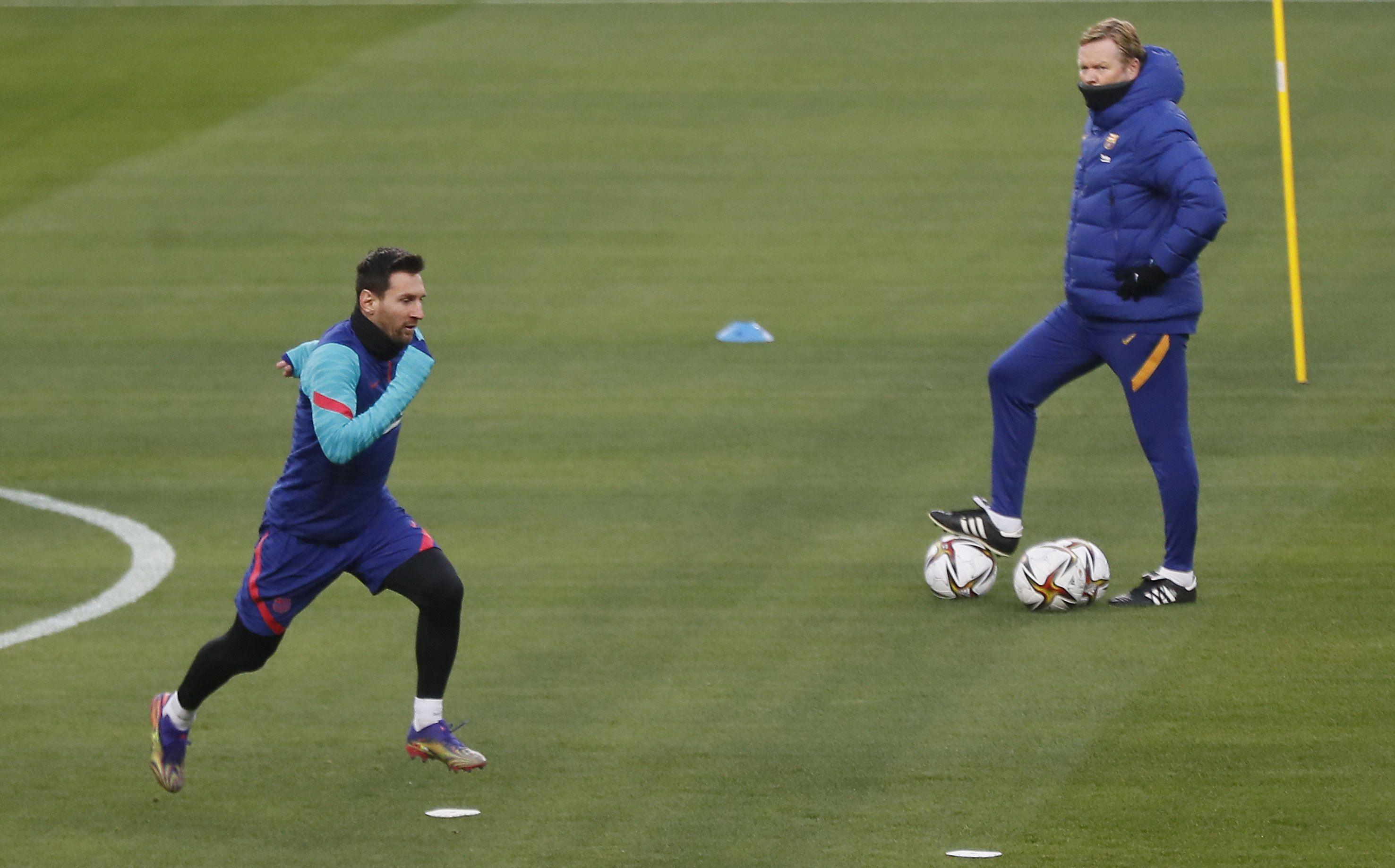 Koeman habló de la continuidad de Messi en el Barcelona (EFE/Jose Manuel Vidal)