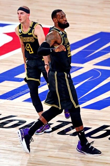 Los Lakers rinden homenaje a Kobe Bryant (Kim Klement-USA TODAY Sports)