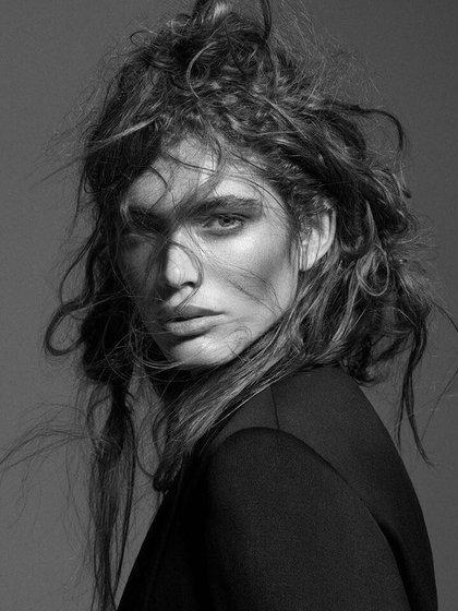 En 2014, una compañía de ropa despidió a Sampaio de su primer trabajo de modelaje debido a su identificación transgénero