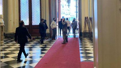 El pasillo donde estaban los bustos que, por decisión del Presidente, fueron guardados