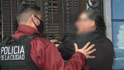 """Al ser detenido, el hombre intentaba justificar su accionar al decir que su vecina """"era torta"""""""