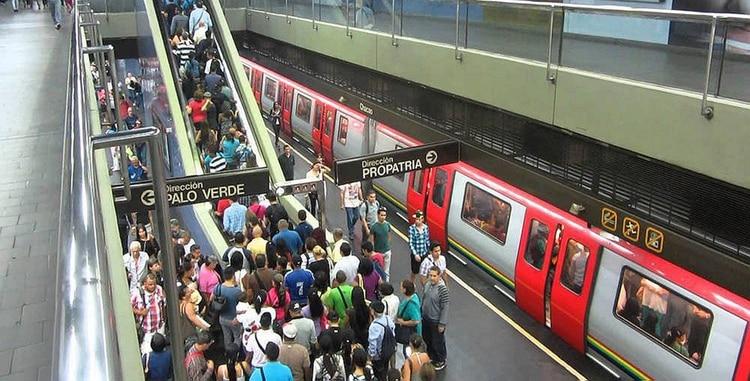 El Metro de Caracas presenta fallas de mantenimiento (Foto: Elizabeth Ostos)