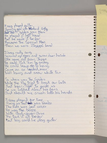 "Letras originales de ""Ziggy Stardust,"" de David Bowie, 1972. Cortesía de The David Bowie Archive. Image © Victoria and Albert Museum"