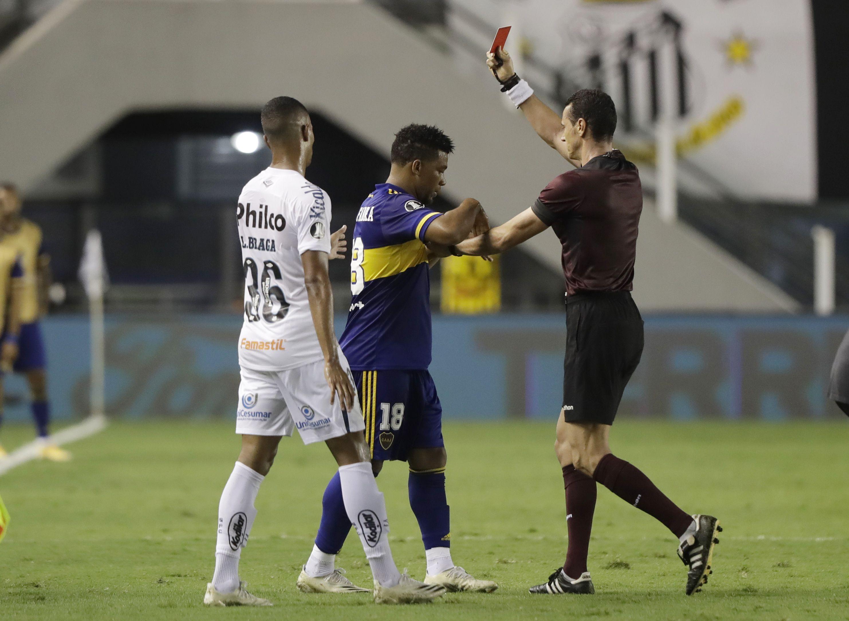 Noche para el olvido de Fabra, uno de los aplazados en Boca (REUTERS/Andre Penner)