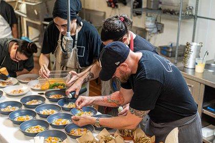 Liderado por el chef Michael Beltrán, uno de los mejores chefs de Miami, Ariete es una experiencia exuberante en el exclusivo barrio de Coconut Grove (@arietemiami)