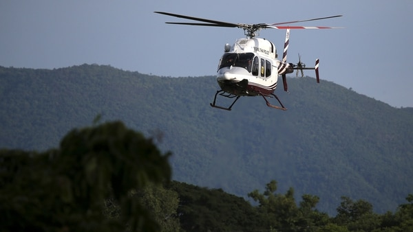 El helicóptero utilizado para trasladar a los niños (Reuters)