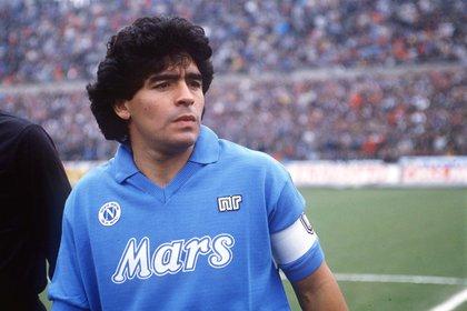 Maradona con la camiseta de Napoli