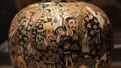 Detalle de un vaso, manufactura Satsuma, del período Meiji (porcelana y esmalte). Foto: Lihueel Althabe