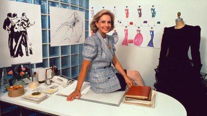 Carolina Herrera era una cultora de la moda y emprendió el camino del diseño con 42 años. En una producción de Vanity Fair en su atelier de Nueva York