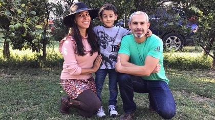 Jorge Navarro Sánchez con su familia, antes de la tragedia (Foto: Especial)