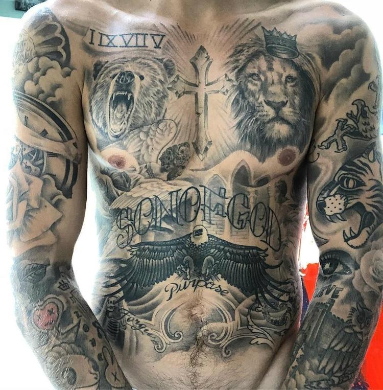 Los tatuajes que cubren el cuerpo del cantante (Instagram: Justin Bieber)