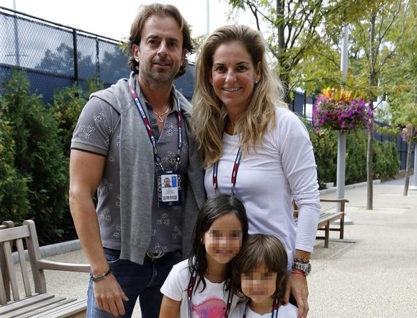La ex tenista tiene dos hijos junto a Santana: Arantxa y Leo