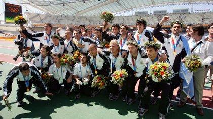Roberto Ayala fue uno de los referentes del plantel que ganó la medalla de oro en Atenas 2004 (AFP)