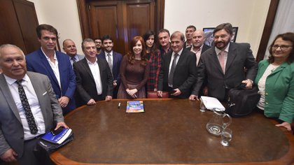 Cristina Fernández recibió en su despacho a Sergio Urribarri y productores cítricos