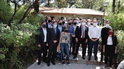 Alberto Fernández junto a los intendentes peronistas en una de las reuniones donde respaldó la re-reelección