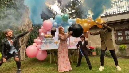 La actriz celebró una fiesta para anunciar el sexo de su bebé. (Foto: Instagram)