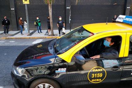 La empresa china busca taxistas en la ciudad de Buenos Aires (REUTERS/Agustin Marcarian)