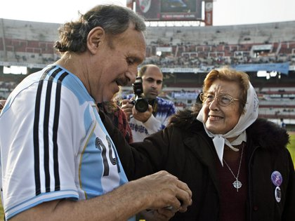 Fotografía tomada en junio de 2008 de Leopoldo Jacinto Luque  en el estadio de River Plate (EFE)
