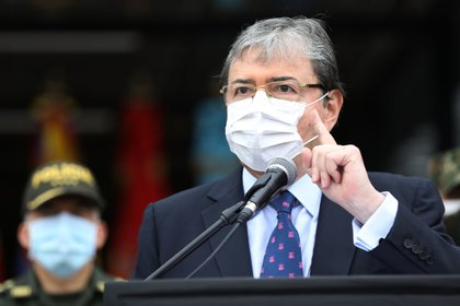 Congresistas piden renuncia del ministro de Defensa tras asesinato de Juliana Giraldo