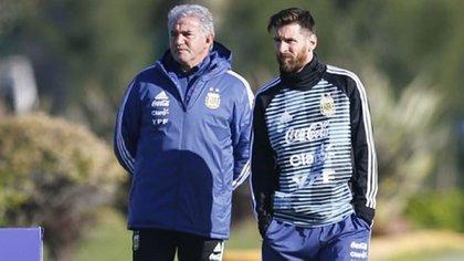 Tiempos de manager: junto a Lionel Messi en la selección argentina (Nicolás Aboaf)