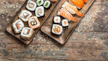 Hoy en día existen variedades de sushi vegetarianas, de mar, con carnes rojas y blancas (Getty Images)