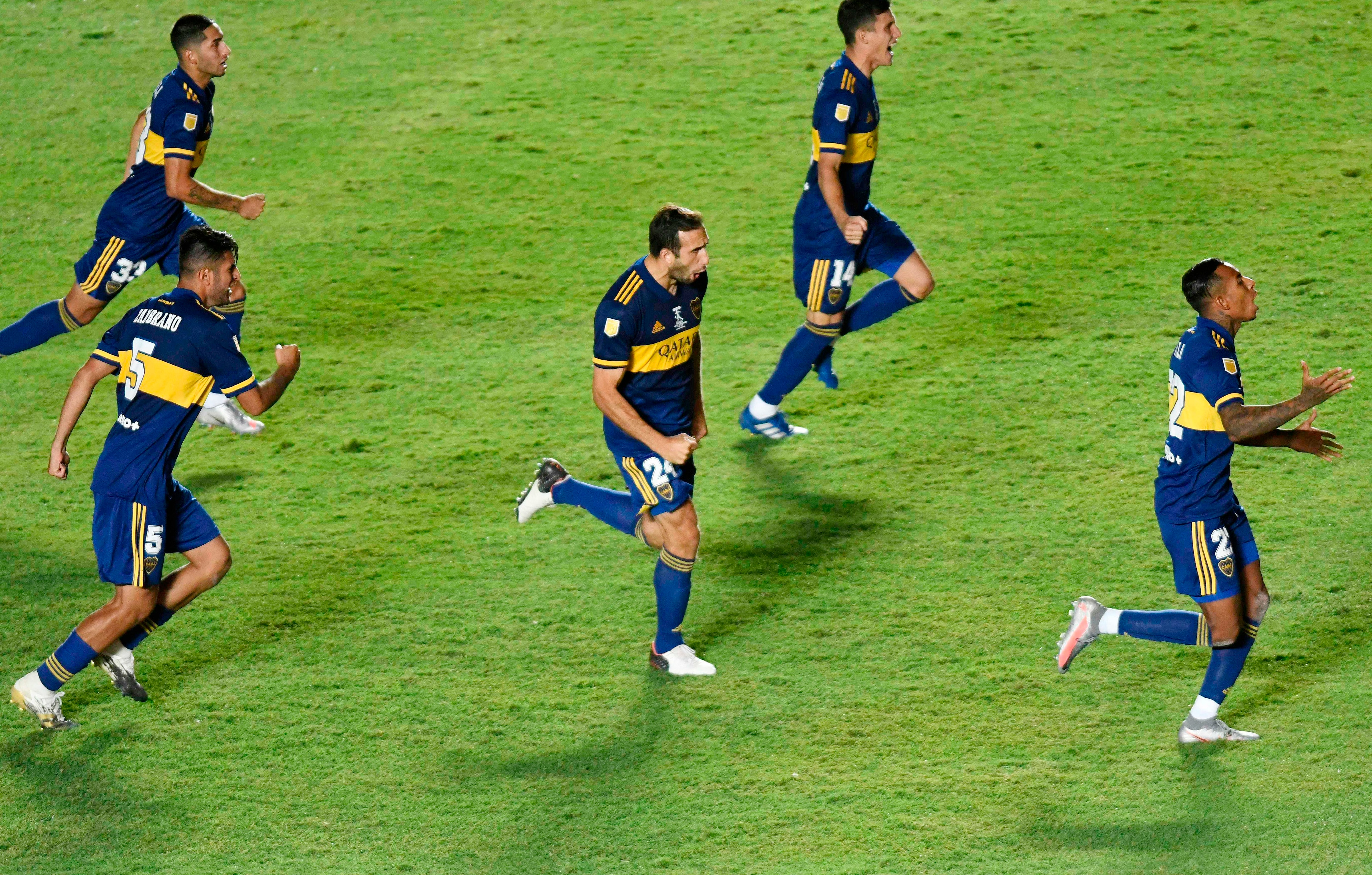 The moment in which Boca is enshrined champion in penalties against Banfield. The Diego Maradona Cup is heading to the Xeneize showcases