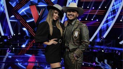 """Cristian Nodal y Belinda están grabando los últimos episodios de """"La  Voz México"""" (Foto: Instagram@ lavoztvazteca)"""