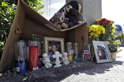 Un altar en memoria de Anthony Naiboa (AP)