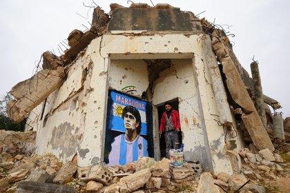 El mural de Aziz Asmar en Siria tras la muerte de Maradona (Foto: AFP)