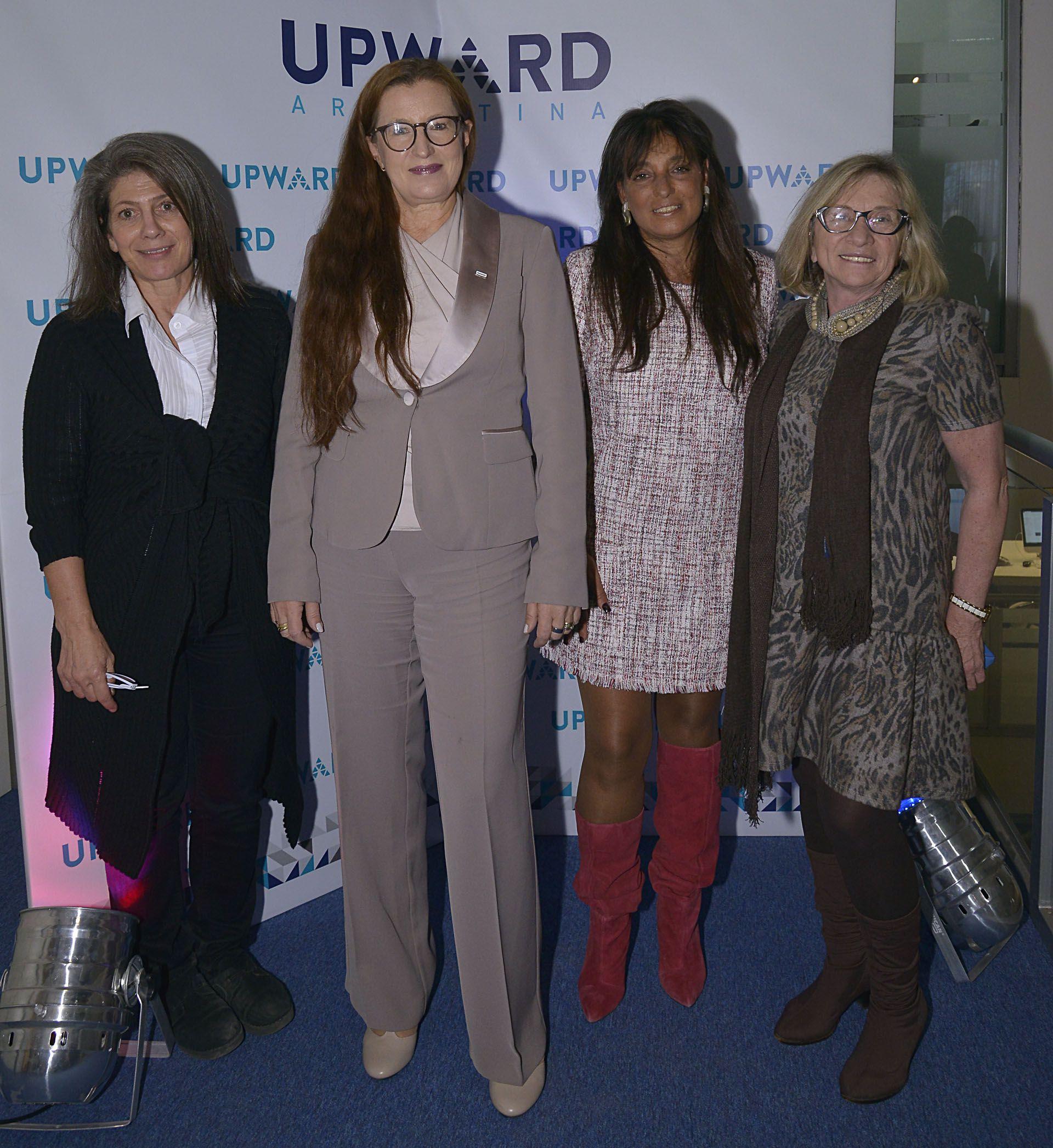 Martine de Kent (Embajada Británica)junto a la oradoraPia Pakarinen (Vice Alcaldesa de Educación de Helsinski), Viviana Zocco y Graciela Aldan