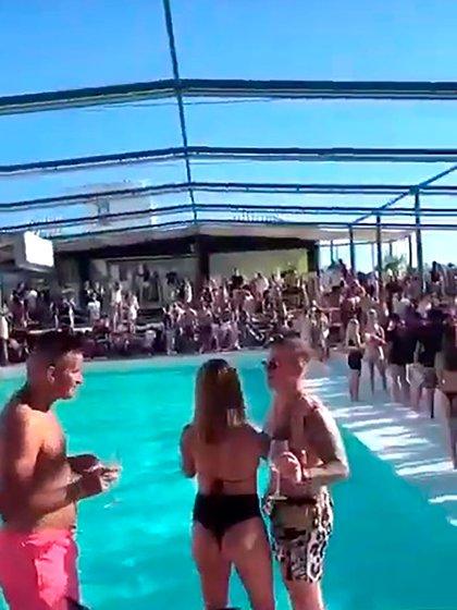 El feriado XXL hubo varias fiestas clandestinas en Mar del Plata, como la realizada en el Balneario 12 de Punta Mogotes
