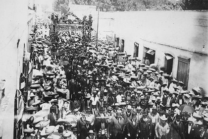 Marcha enconmemoración del tercer aniversario de la muerte de Zapata (Foto: AHUNAM)