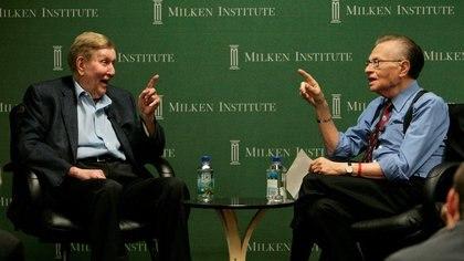 """Sumner Redstone, presidente ejecutivo de Viacom Inc. durante la sesión """"Una conversación con Sumner Redstone: Si pudieras vivir para siempre, ¿cómo sería tu vida?"""" en la Conferencia Global del Instituto Milken 2009 en Beverly Hills, California, el 29 de abril de 2009."""