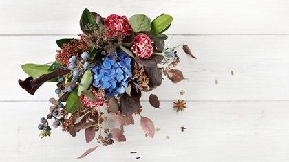Durante esta época del año, a pesar de lo que la mayoría podría pensar, se encuentran gran variedad de flores disponibles para ambientar el hogar (Getty Images)