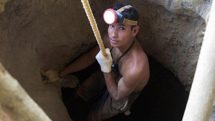 Las minas se encuentran en el sur del país, cerca de la frontera con Brasil (Reuters)