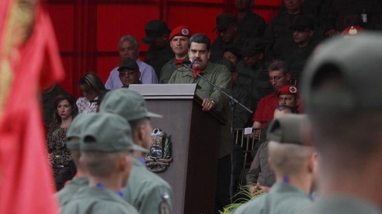 Maduromantiene el respaldo dela Fuerza Armada Bolivariana (EFE)