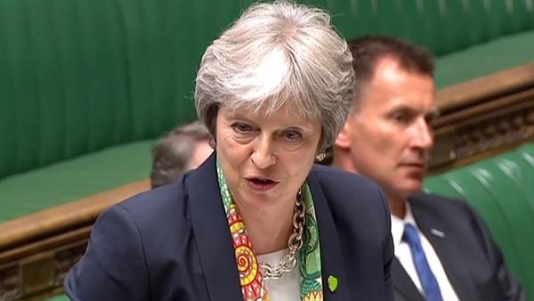 Theresa May alcanzó un acuerdo con la UE para mantener una estrecha relación económica (AFP)