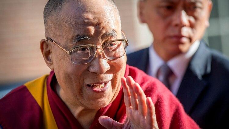 """El Dalai Lama en la inauguración de la muestra """"La vida de Buddha"""" el año pasado en Amsterdam, Holanda. (Foto: Robin Utrecht/Sipa USA)"""