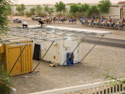 Puede generar hasta 100 litros por día en ambientes cálidos como el desierto, aseguran sus creadores Foto: EFE