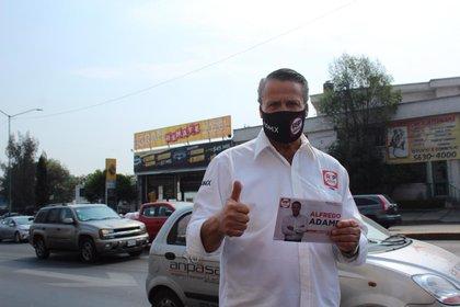 Alfredo Adame inició con volanteo en la alcaldía Tlalpan (Foto: Redes Sociales Progresistas)