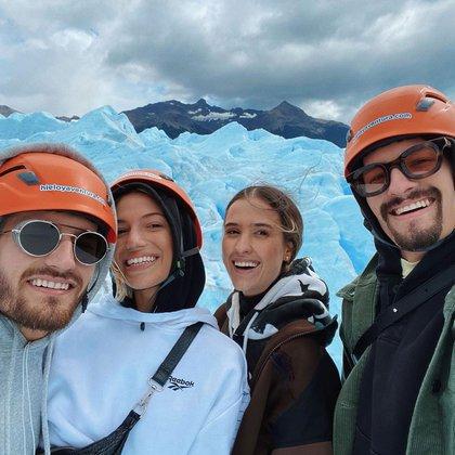 Mau y Ricky Montaner viajaron al Glaciar Perito Moreno con sus respectivas parejas (Instagram)